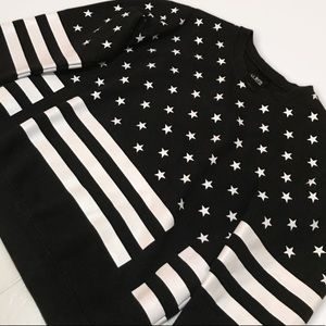 LA NOTTE Oversized Stars and Stripes Pullover